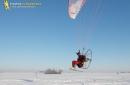 Paramoteur sous la neige