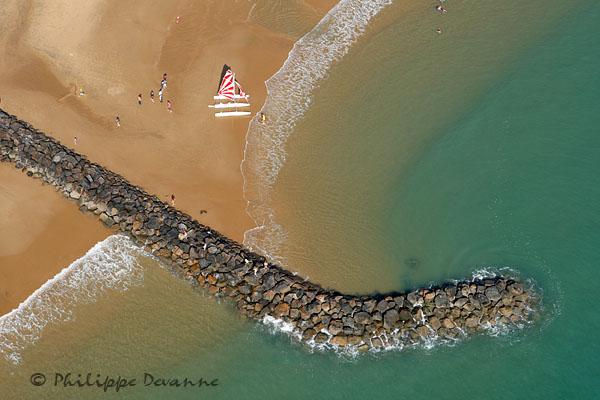 Voilier , plage de Jard-sur-mer, Vendée (85)