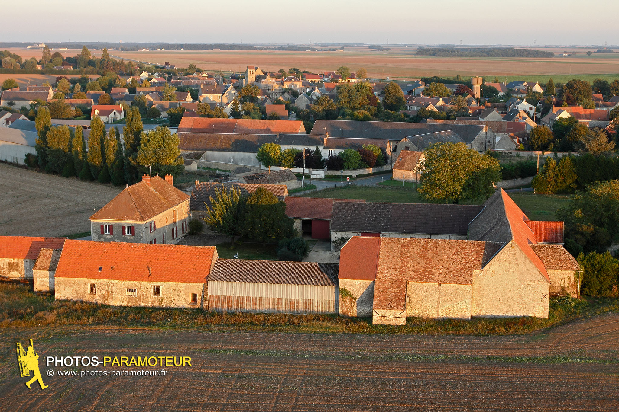 Authon-la-Plaine vue du ciel