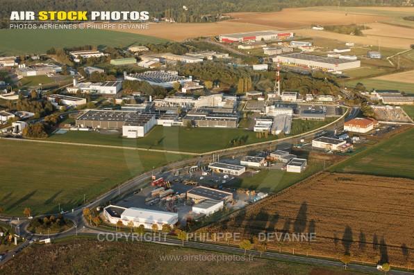 Photographie aérienne Zone industrielle de St Denis, D996 , commune d'Epernon (28230), dans le département d'Eure-et-Loir en Région Centre-Val de Loire, France-  Prise de vue du 15/09/2011