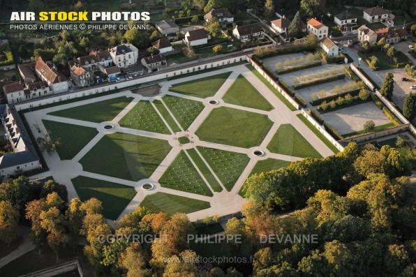 Photographie aérienne du Château de Chamarande (91730), département de l'Essonne, région Île-de-France, France. Située à 40 km au sud-Ouest de Paris. le 23/09/2011