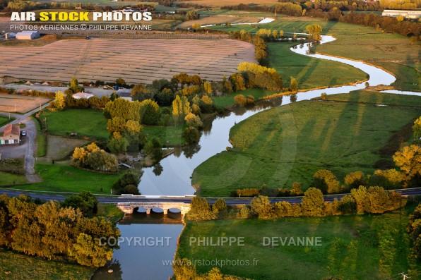 Photographie aérienne de la Vie dans le Pays de Saint-Gilles-Croix-de-Vie (85), sur la commune de  Notre-Dame-de-Riez (85800) , département de la Vendée; région Pays de la Loire, France. Prise de vue du 26 avril 2016