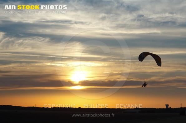 Couché de soleil avec vol en  paramoteur en Ile-de-France, septembre 2016