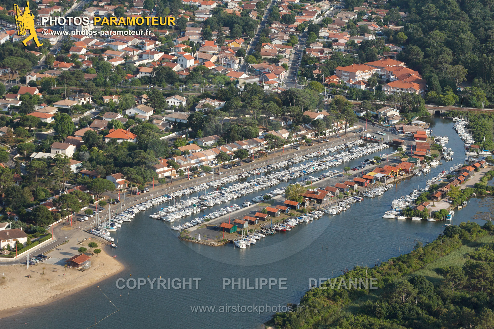 Port de la Hume Gujan-Mestras vue du ciel