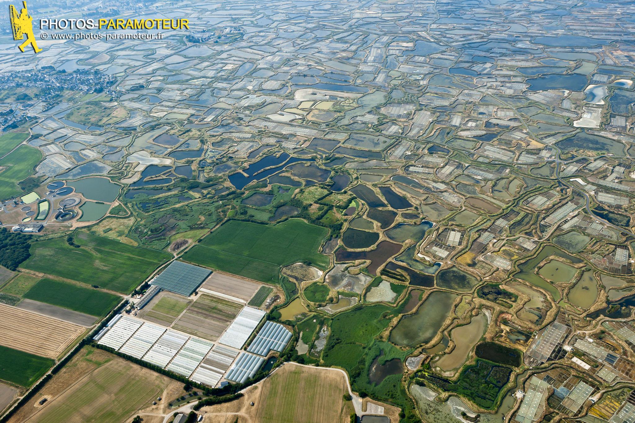 Marais salants de Guérande vue du ciel