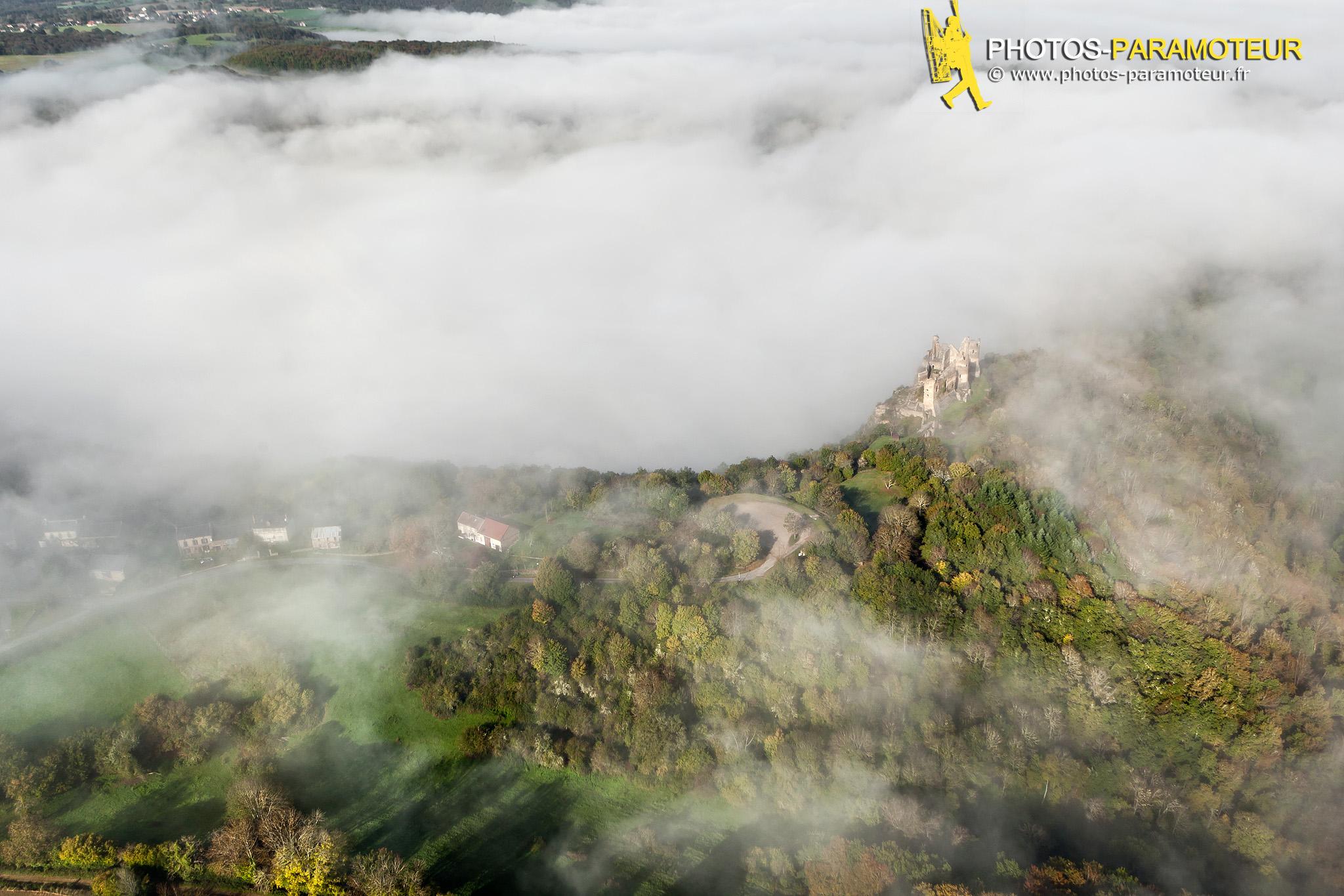 Château Rocher vue du ciel en paramoteur