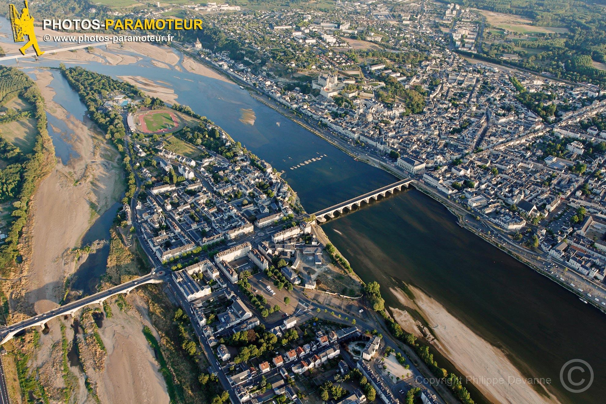 Saumur, la Loire vue du ciel, France