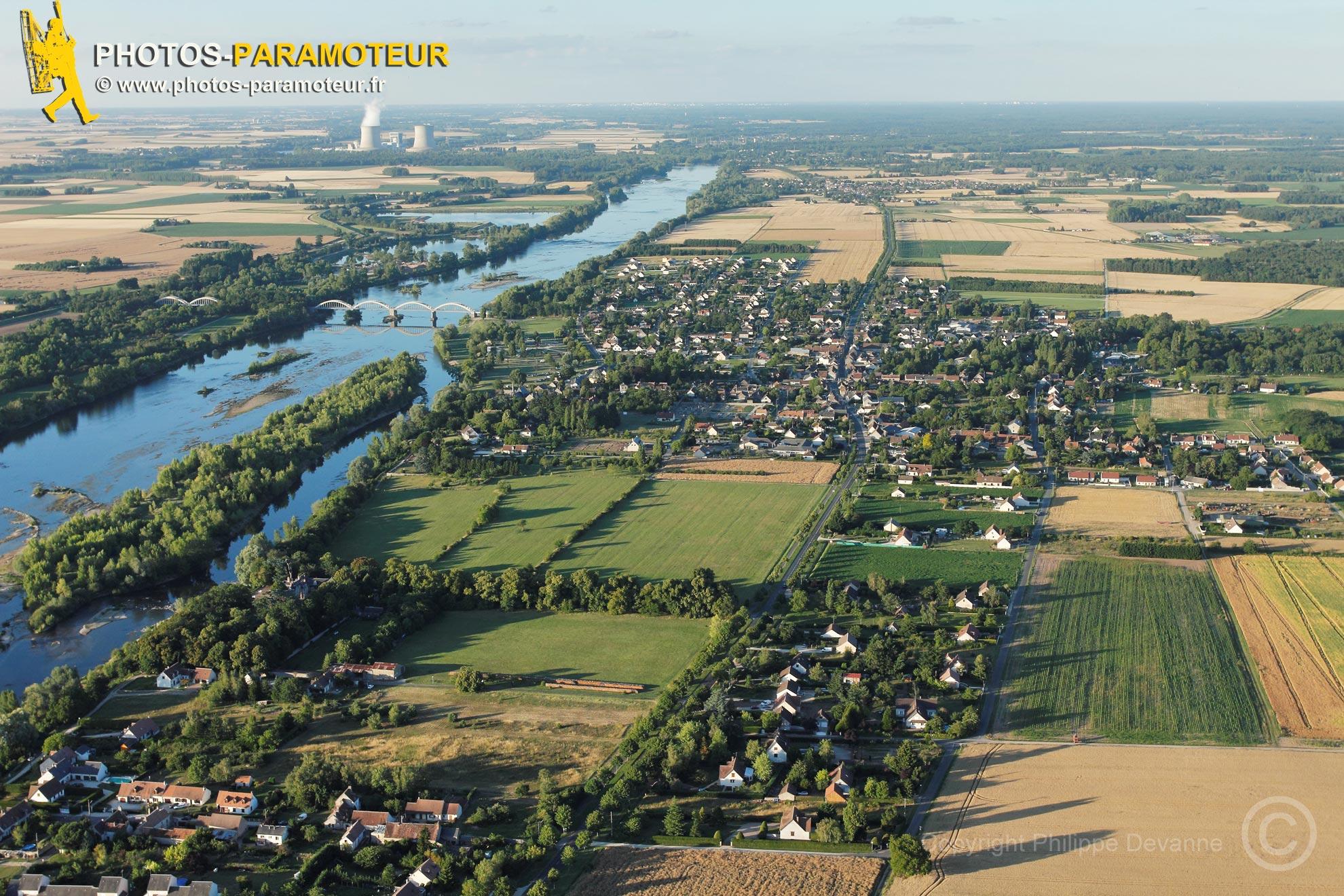 Muides-sur-Loire vu du ciel, France