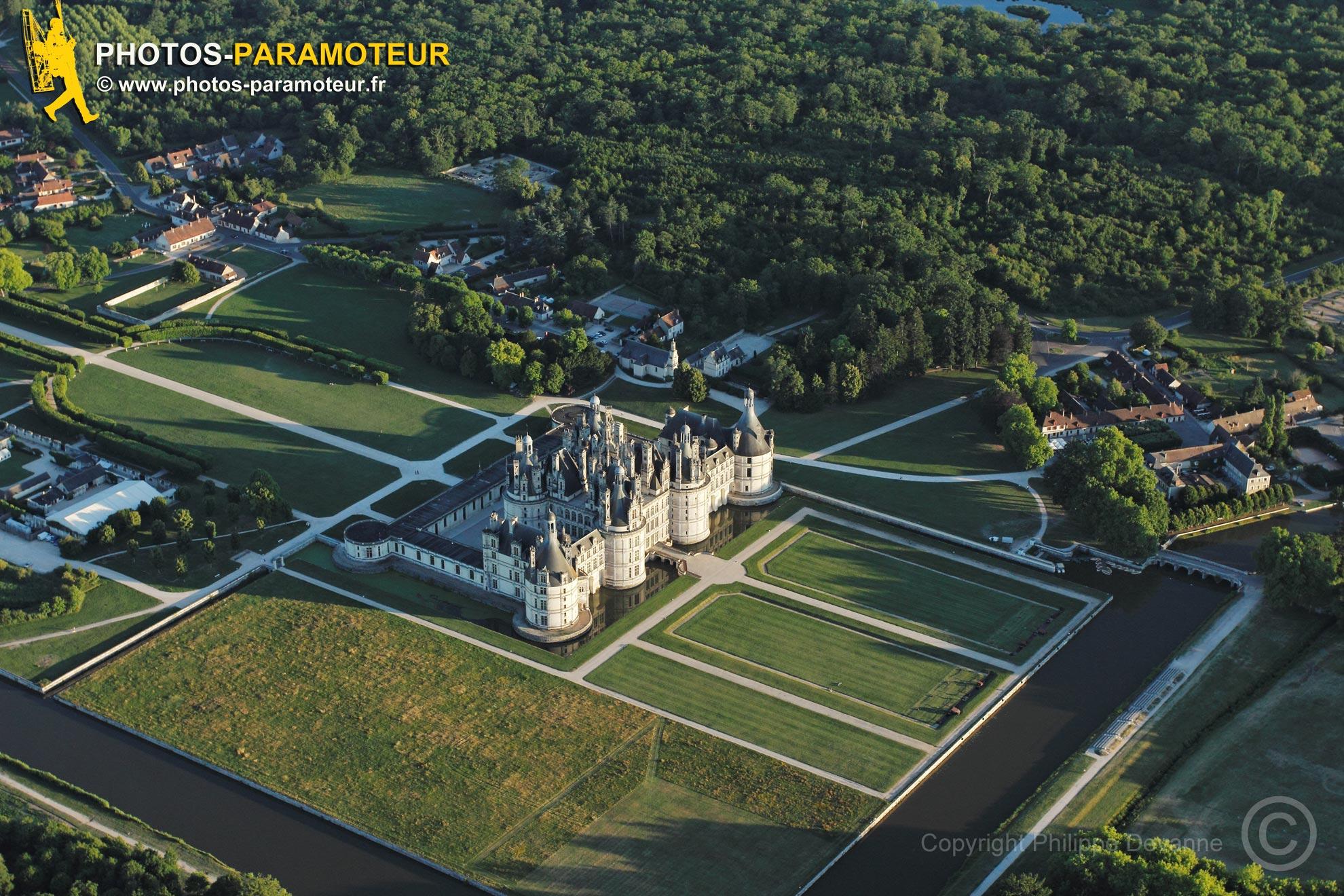 Chambord, France - 25 Juin 2011: Château de Chambord vu du ciel