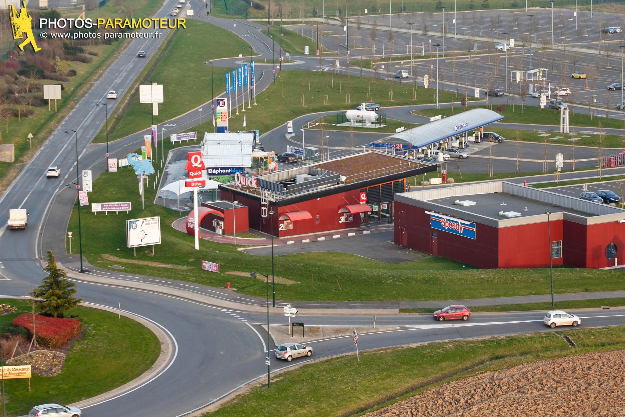 Centre commercial d'Etampes vue du ciel